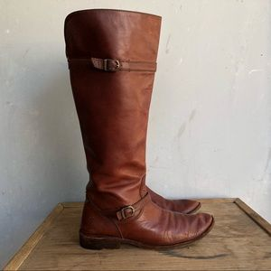 Frye Shirley Boots in Brown